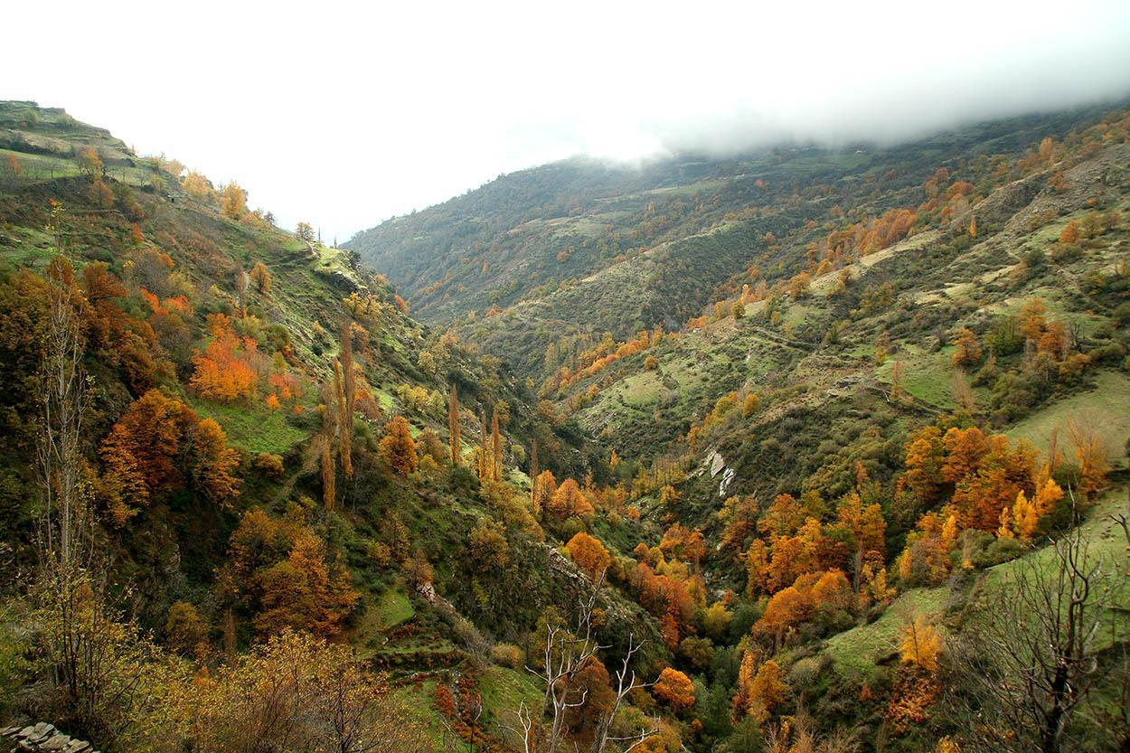 El barranco de Poqueira es uno de los principales atractivos turísticos de La Alpujarra