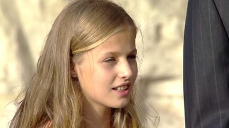 La princesa Leonor canta el himno de Asturias 2